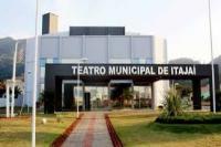 Vandalismo provoca suspensão das atividades no Teatro Municipal de Itajaí