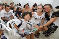 Pais e alunos recebem material escolar nos primeiros dias do ano letivo