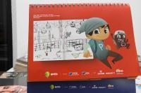 Aluno itajaiense tem desenho impresso em calendários da CDL