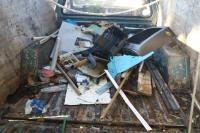 Seis caminhões de entulhos são retirados de terreno no bairro São Vicente