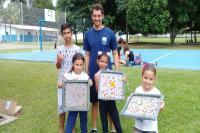 Oficina de papel reciclado conscientiza jovens sobre consumo sustentável