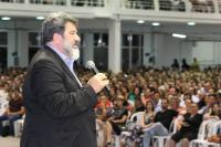 Oito mil pessoas participam da palestra com Mário Sergio Cortella em Itajaí